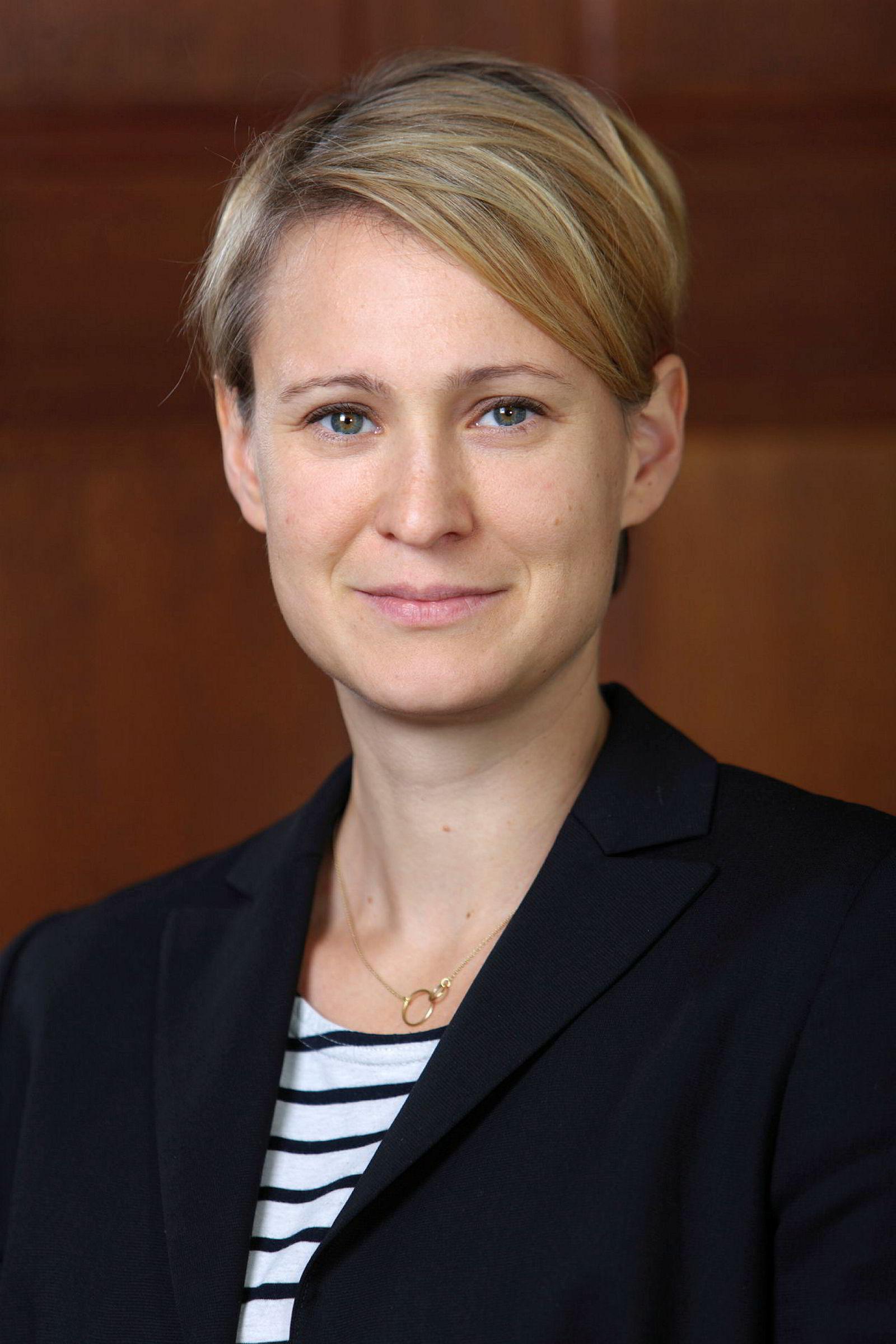 Professor Jana Puglierin