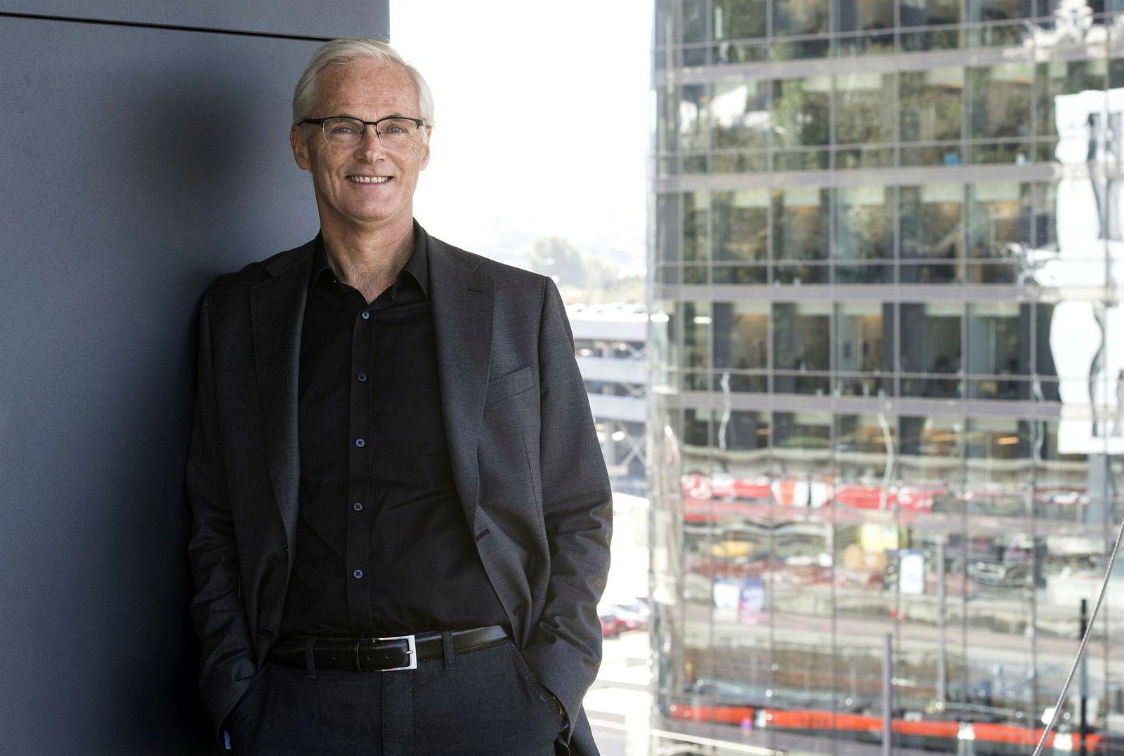 Konkurransedirektør Lars Sørgard varsler gigantbot til Telenor.