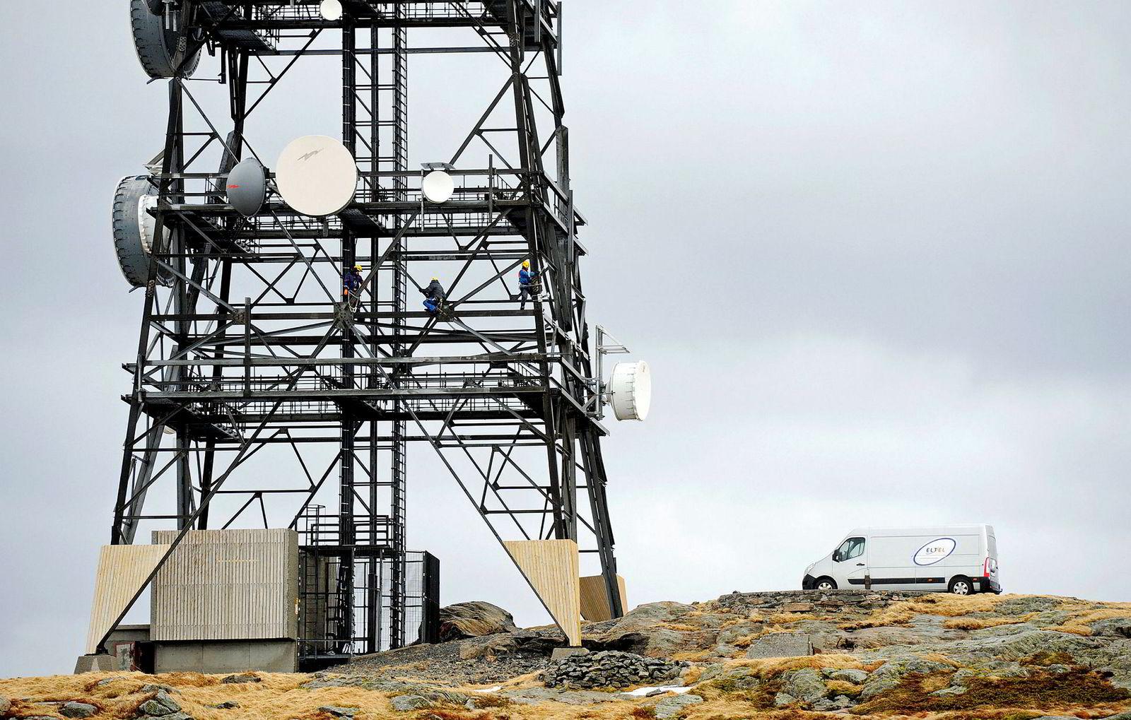 Telenor og Telia har valgt basestasjoner fra Huawei i utbyggingen av 4G, mens Ice har inngått avtale med Nokia. Her en stor mast ved Rundemannen i Bergen hvor flere av mobilselskapene har hengt opp sine basestasjoner.