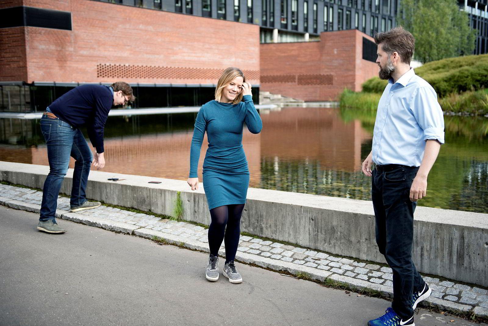 Videokonferanseselskapet Confrer har fått engelinvestering fra Founders Fund og Nicolaj Broby Petersen fra Dirtybit på 1,5 millioner kroner. Fra venstre Dag Inge Aas, Ida Aalen og Svein Willassen.