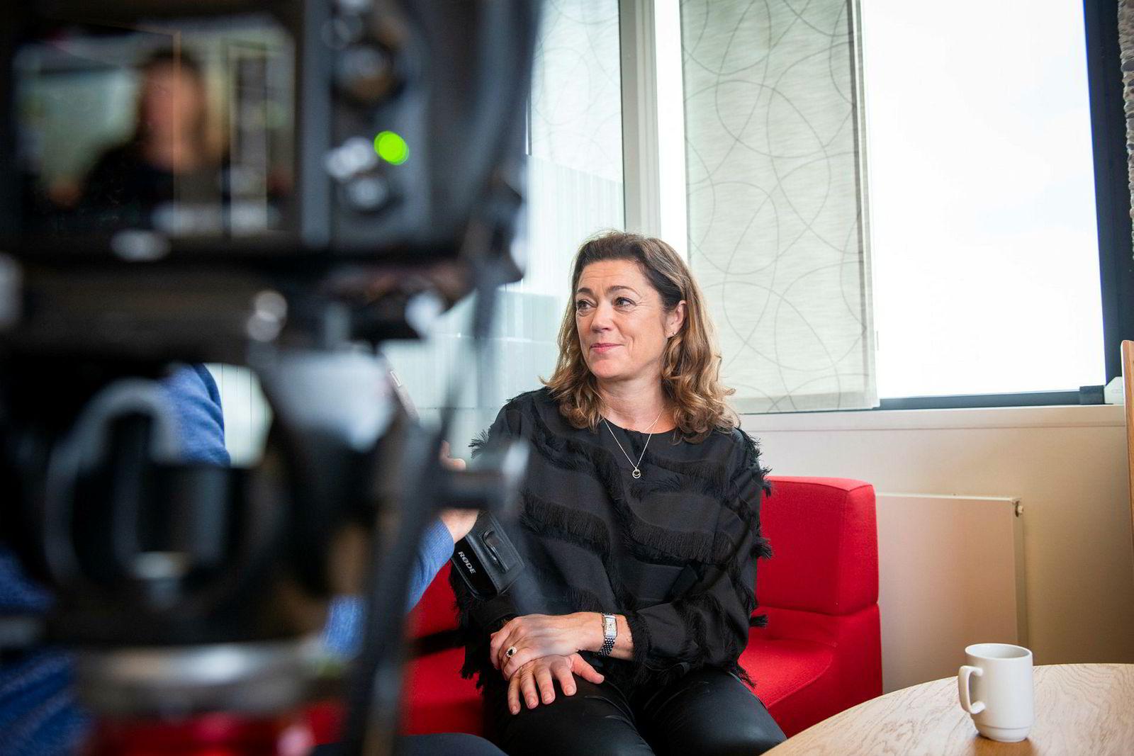 Kristin Skogen Lund slutter som NHO-sjef og begynner i Schibsted.