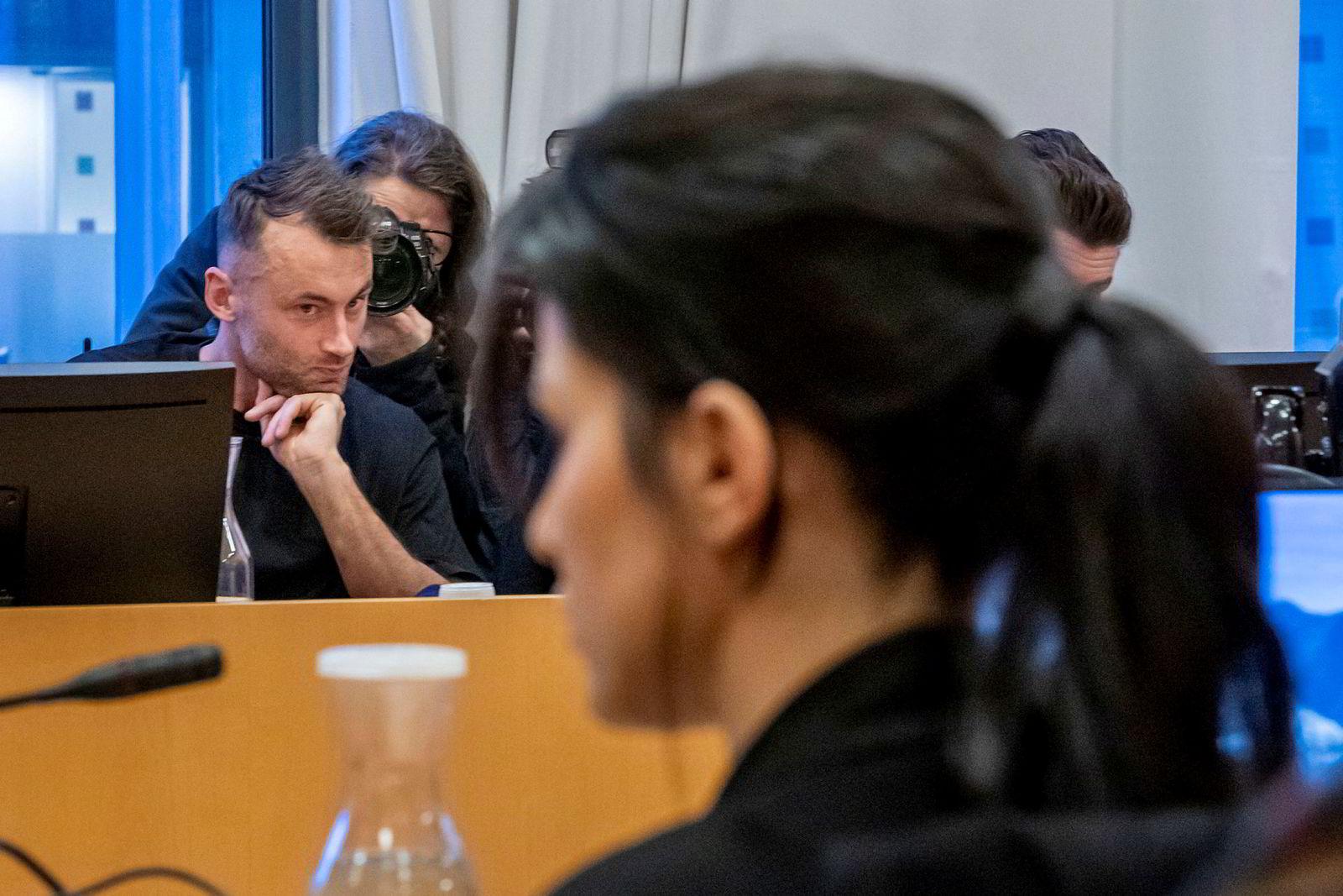 Petter Northug, representert ved advokat Halvard Helle, mener på sin side at hensynet til ytrings‐ og informasjonsfriheten i denne saken må veie tyngre enn hensynet til privatlivets fred