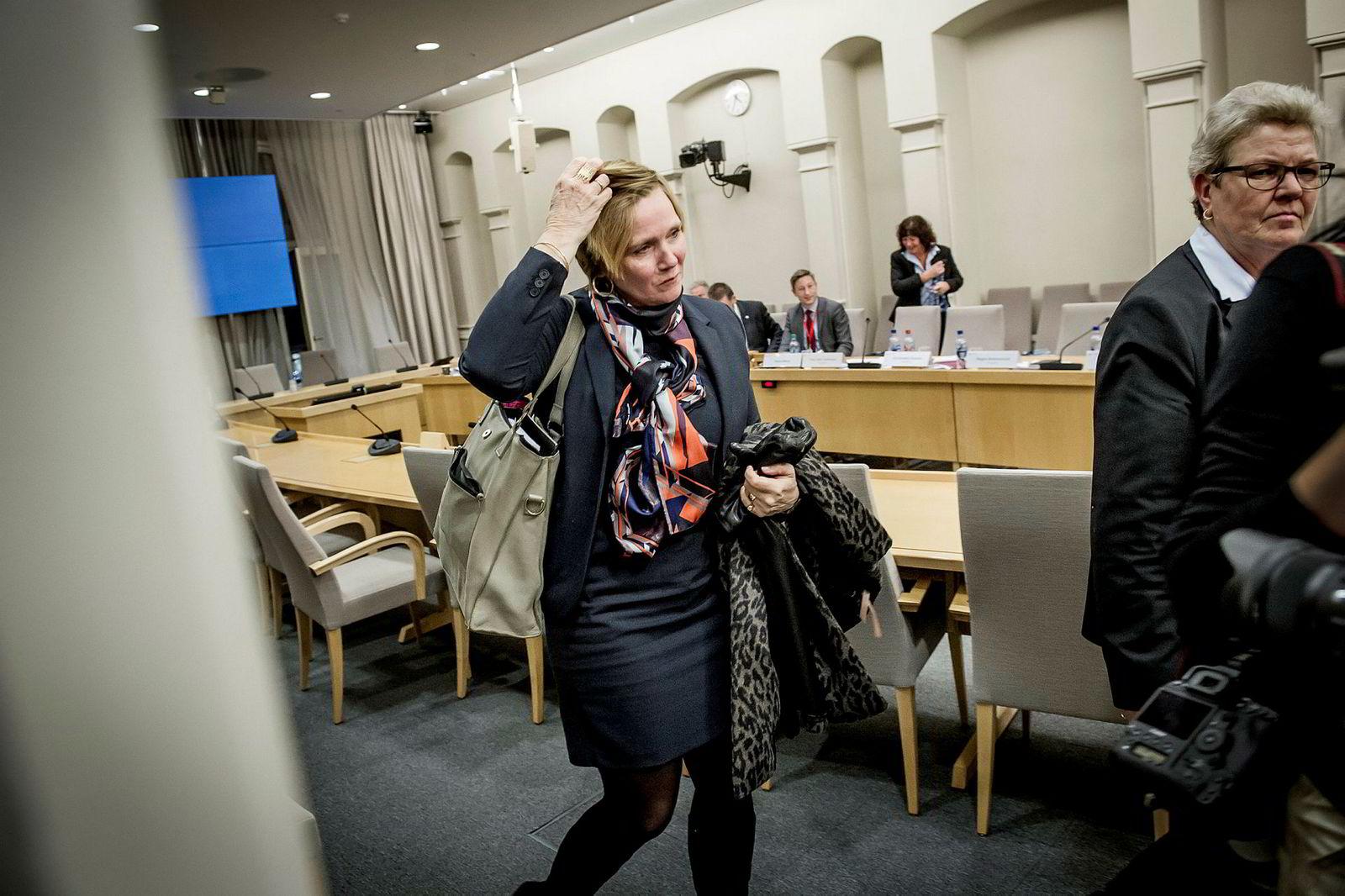 Tidligere direktør Christine Meyer i SSB mener finansministeren presset henne til å gå av ifjor. Onsdag forklarte hun seg om striden i Stortinget for kontroll- og konstitusjonskomiteen.