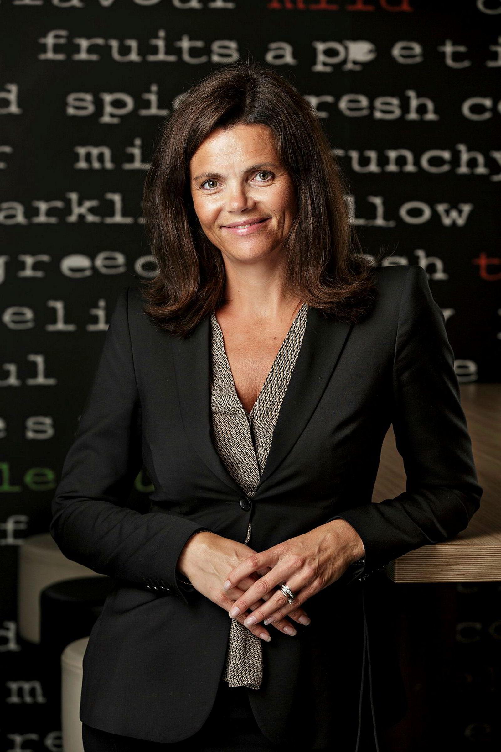 Pia Mellbye er toppleder for McDonalds-restaurantene i Norge. Nå endrer kjeden konseptet.