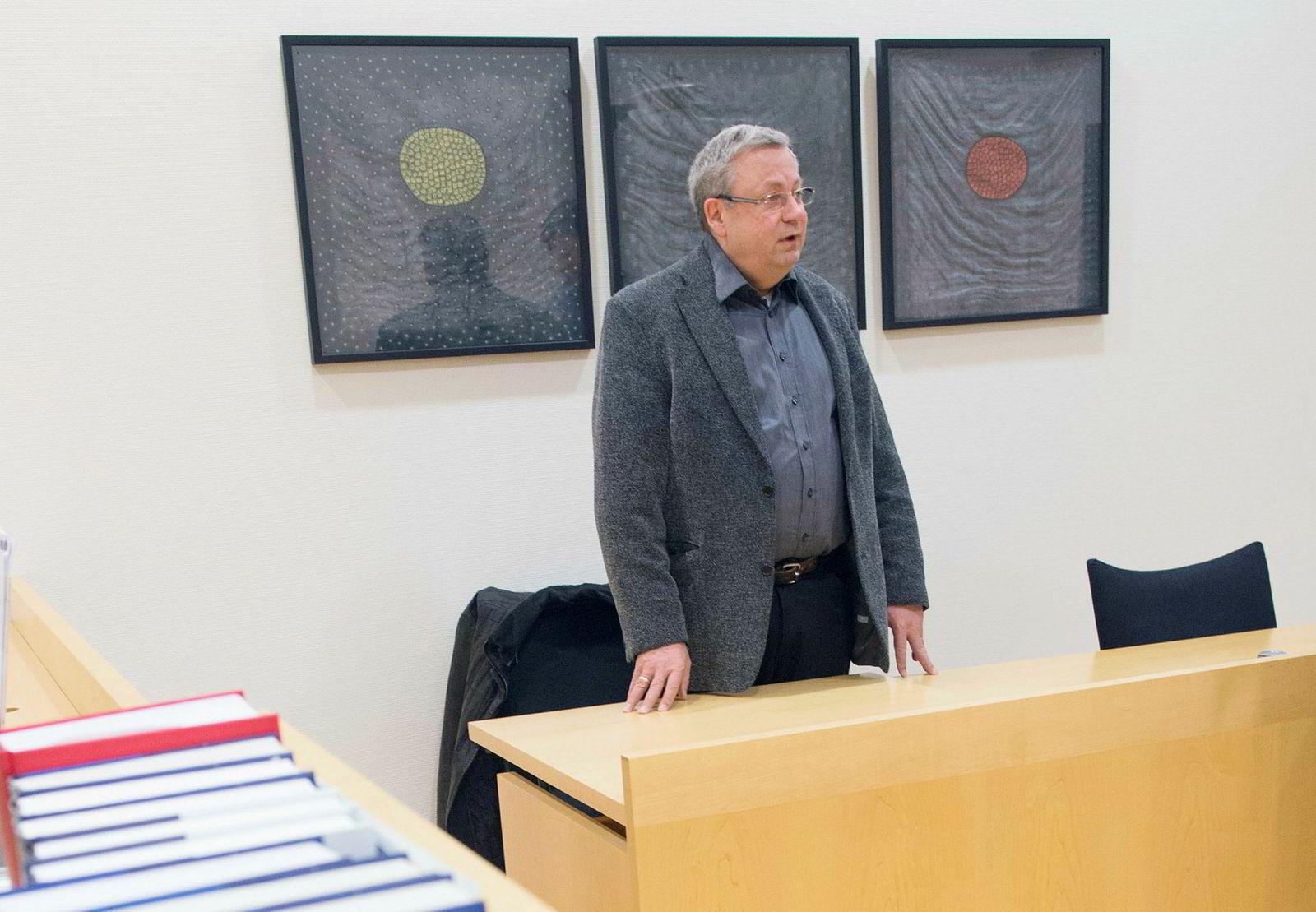 Lloyd Kleivene ble til slutt tvunget til å møte i retten i Arendal i straffesaken mot ham. Her er Kleivene i retten i 2015 da ett av hans mange selskaper ble tatt til konkursbehandling.