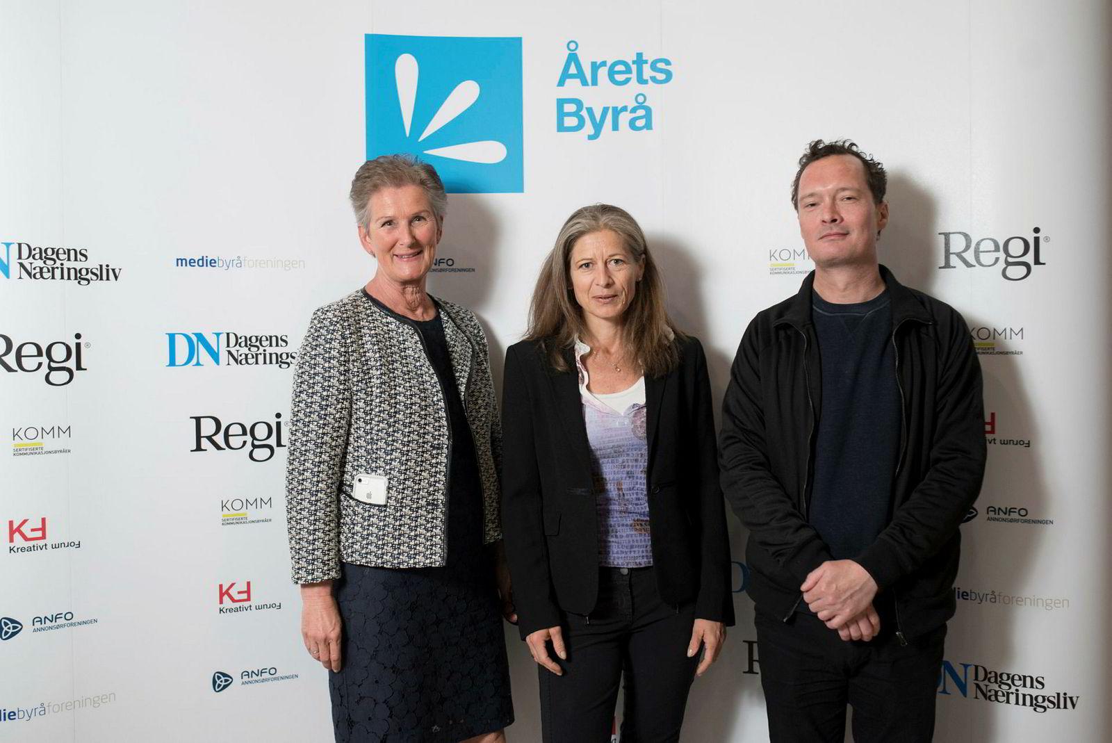 Fagpressen var tilstede. Fra venstre: Tonje Gjerstad i Regi, Benedikte Løvdal i Kreativt Forum, Harald Grenne i Kreativt Forum.