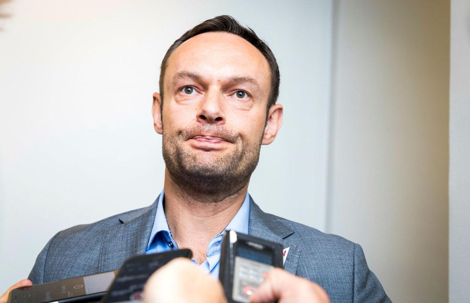 SV-representant Torgeir Knag Fylkesnes ser alvorlig på saken.