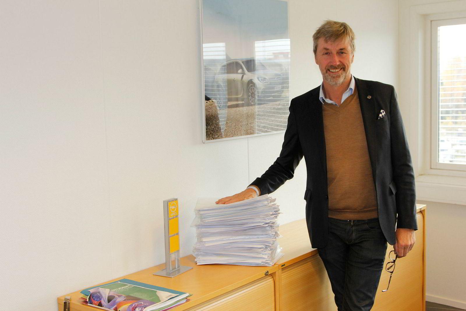 Her viser Bernt G. Jessen ordrebunken for Opel Ampera-e slik den så ut i slutten av oktober. Opel vil ikke si noe om antall, men ryktene går på at det skal være over 2000 nordmenn som har bestilt bilen.