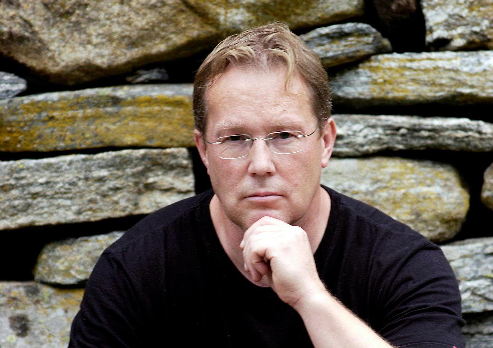 Jan Remmereit har tidligere bygget opp helsekostkonsernet Natural. De siste årene har han levd en tilbaketrukket tilværelse i Volda på Sunnmøre, mens han har vært sentral i utviklingen av flere helseprodukter.