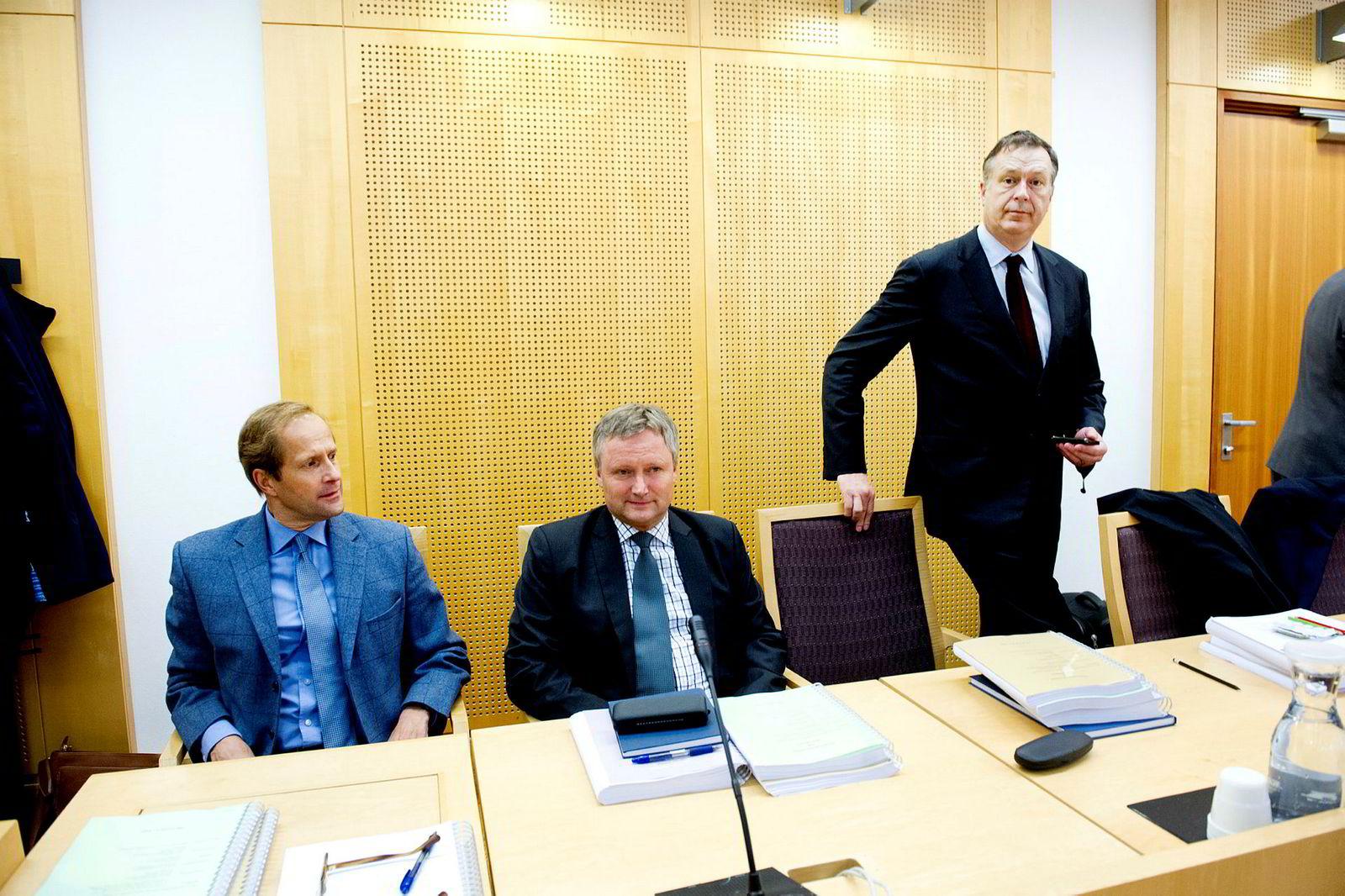 Herkules-forvalterne har kjempet mot skattemyndighetene i årevis. Her er (fra venstre) Tore Rynning-Nielsen, Sverre Morten Blix og Gert W. Munthe i Oslo tingrett i november 2013.