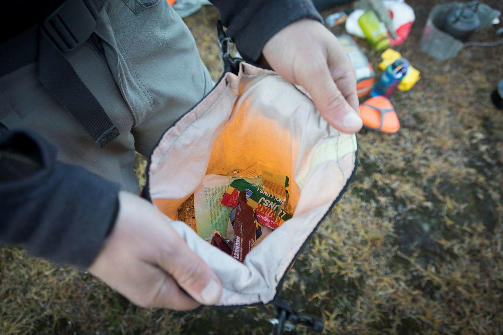 En av mange turerfaringer: Den beste søppelposen er en vanntett pakkpose som tømmes jevnlig.