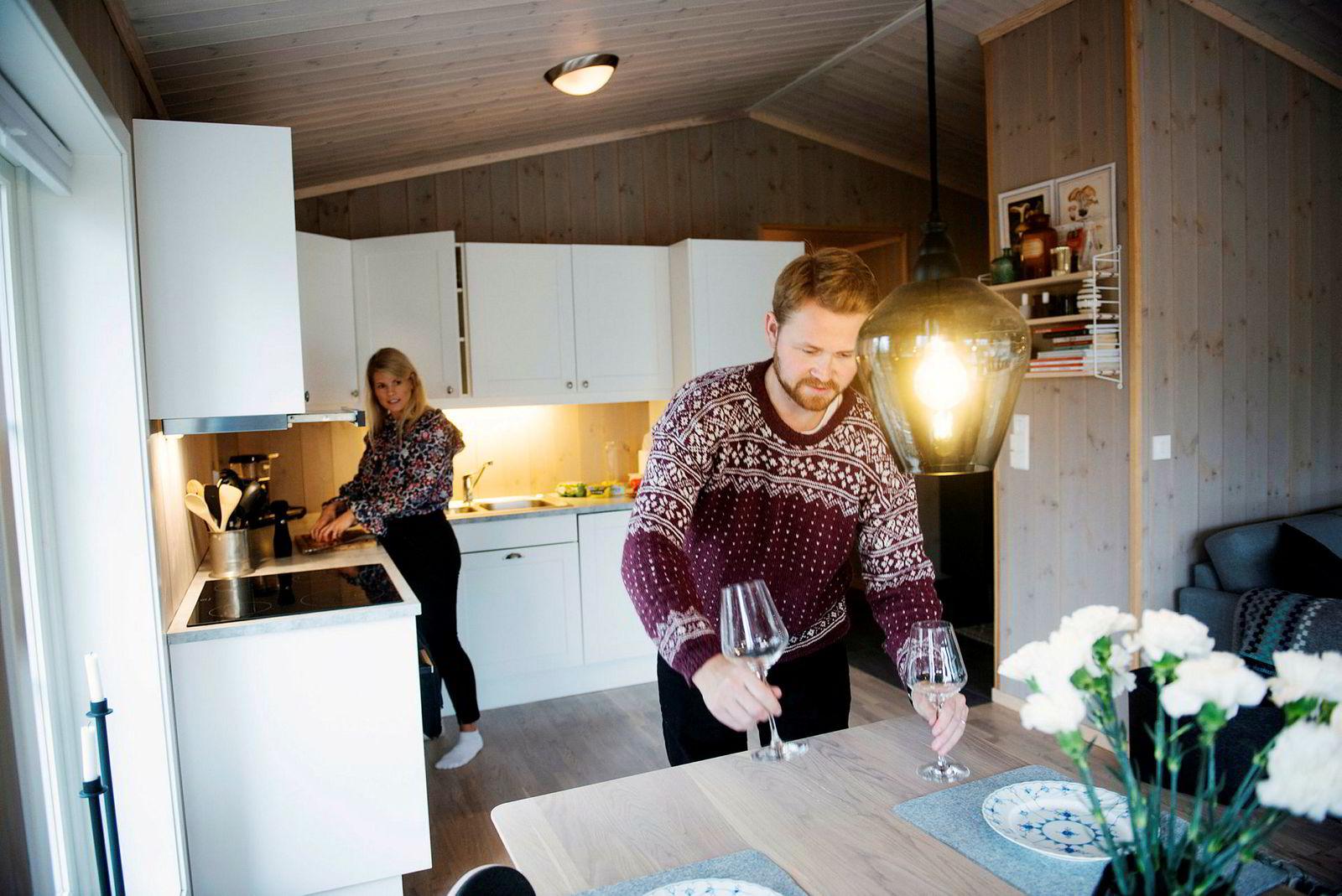 Rasch og Sollie er så ofte på hytta som mulig. På vinteren kaller de leiligheten i Oslo for «pendlerleiligheten».