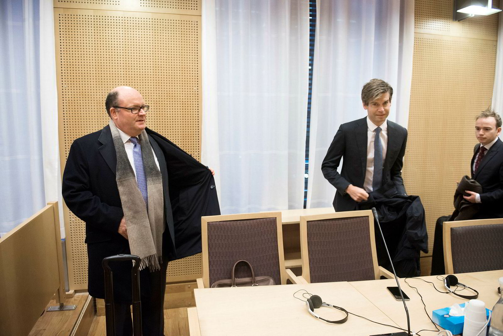 Fra venstre advokat Olav Perland, advokat Magnus Snellingen og advokatfullmektig Lars Sollesnes, alle Wiersholm.