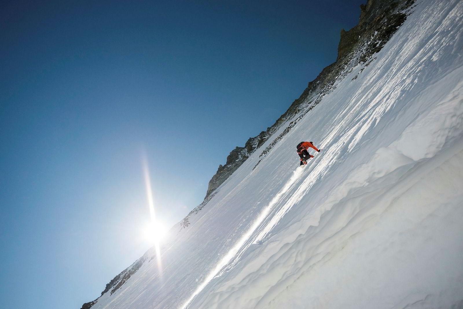 Dani Arnold klatret nordveggen på Matterhorn på én time og 46 minutter, uten sikring.