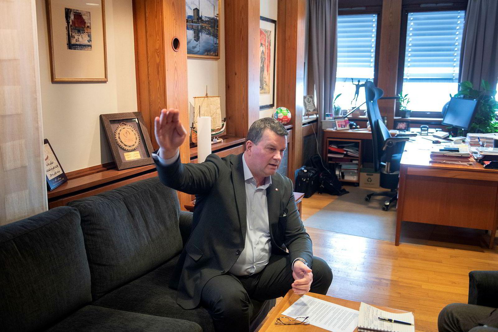 LO-ledelsen har vedtatt å gå mot sitt eget forbund, her LO-leder Hans Christian Gabrielsen.