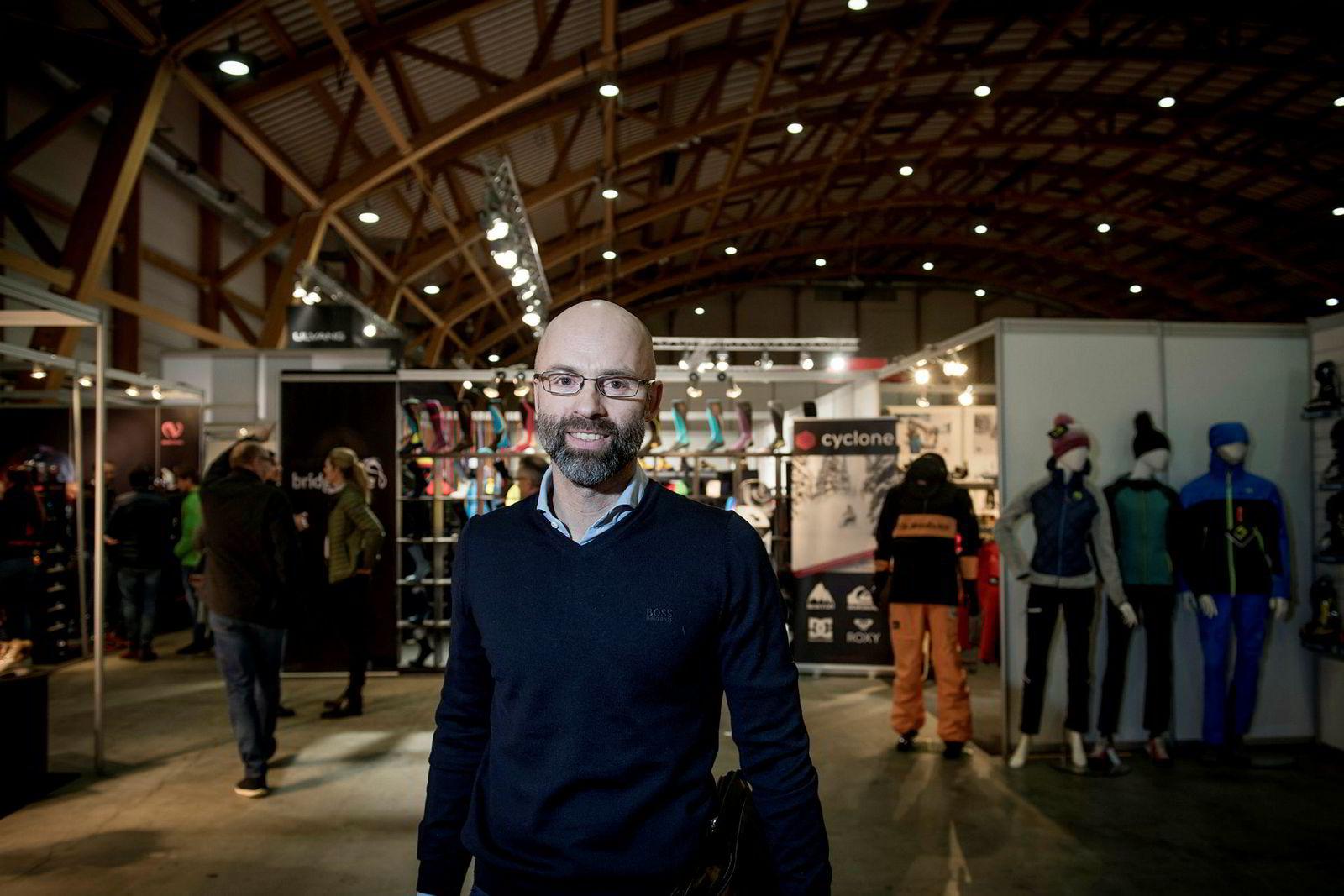 Trond Evald Hansen, administrerende direktør i Norsk Sportsbransjeforening, legger ikke skjul på at sportsbransjen har utfordringer. Det selges nok, men varene selges for billig.
