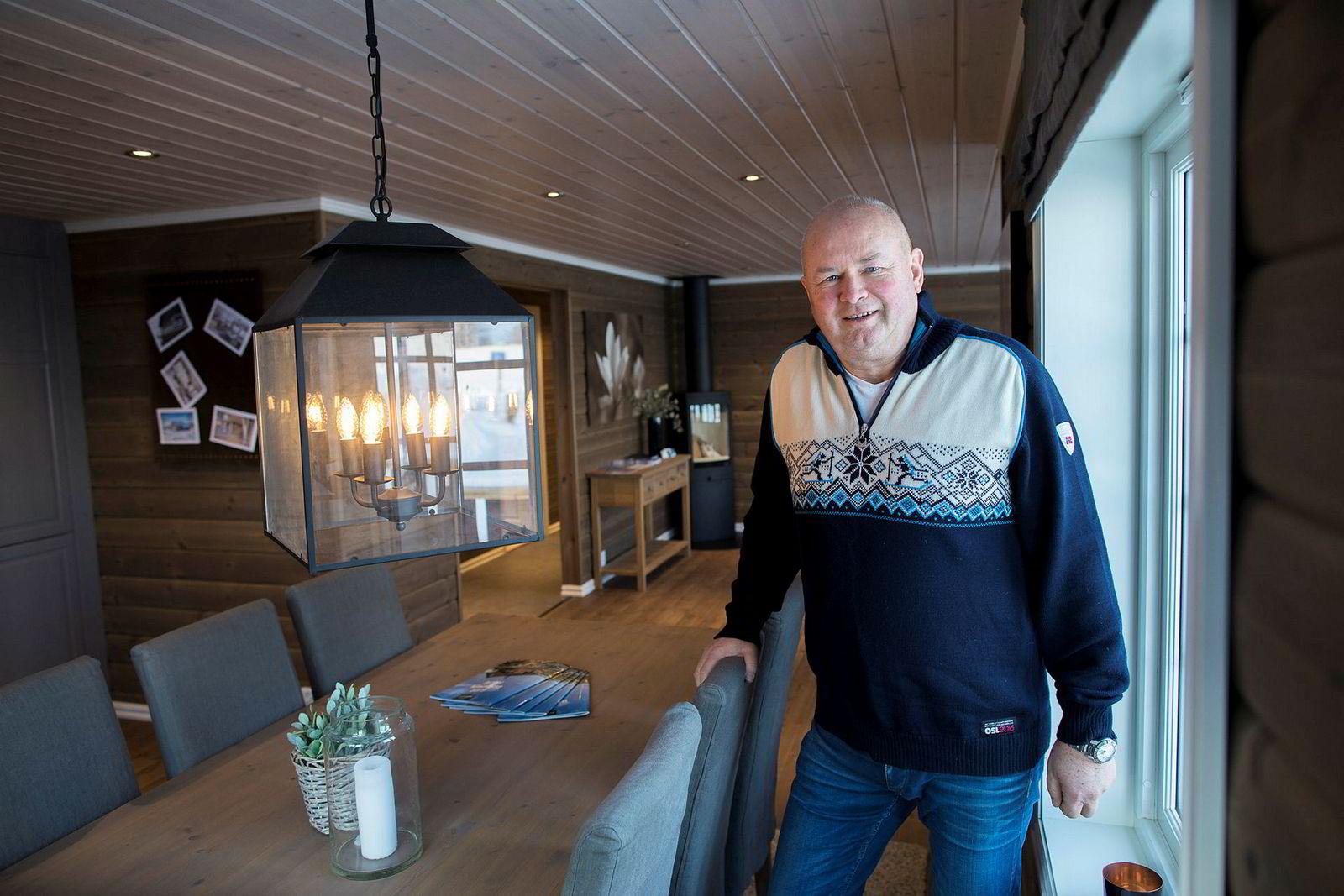 Torbjørn Kaarud på hyttevisningsfeltet på Hellerud utenfor Oslo. Bildet er tatt i forbindelse med salget av FH Gruppen i mars.