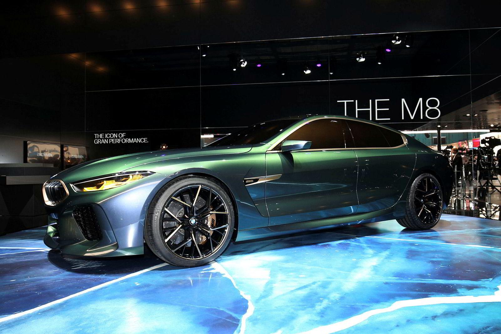 BMW M8 Gran Coupe er over fem meter lang, og oser potent luksus.
