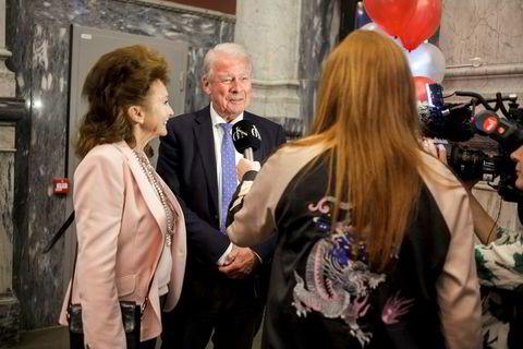 TV 2s underholdningsprogram God Kveld Norge var tilstede, og intervjuet blant annet tidligere FRP-leder Carl I. Hagen og hans kone Eli Hagen.