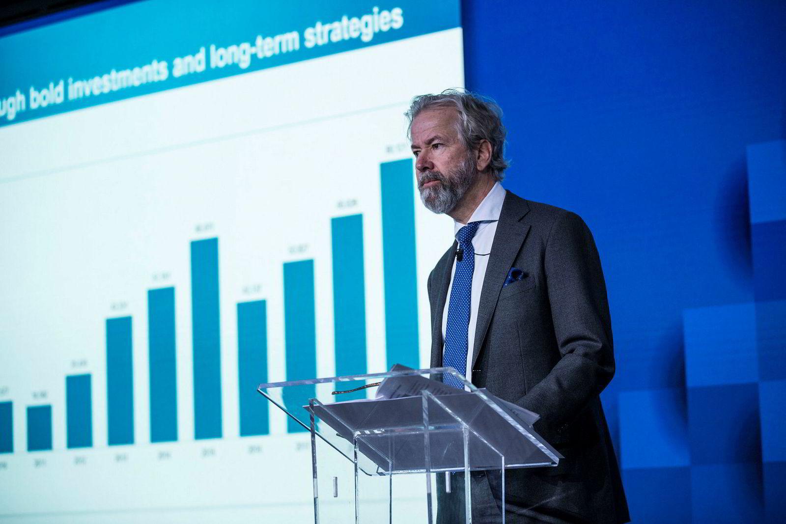 Fra seks til 80 milliarder. Styreleder Ole Jacob Sunde viste Schibsteds verdiutvikling under torsdagens kapitalmarkedsdag i London.