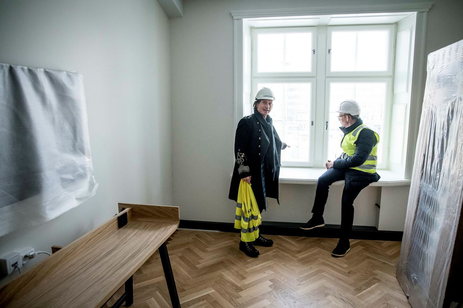 Hotellinvestor Petter Stordalen sammen med Torgeir Silseth, administrerende direktør i Nordic Choice Hotels på Hotel Amerikalinjen som ligger på Jernbanetorget.