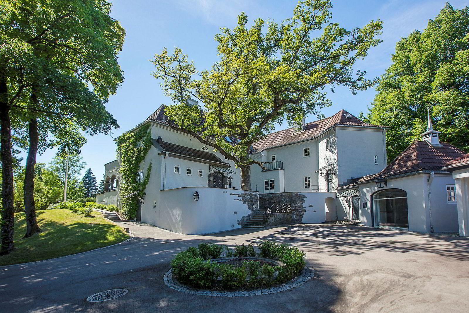 Huset på nær 1000 kvadratmeter kan selges for femte gang siden 2006 om det blir solgt igjen.