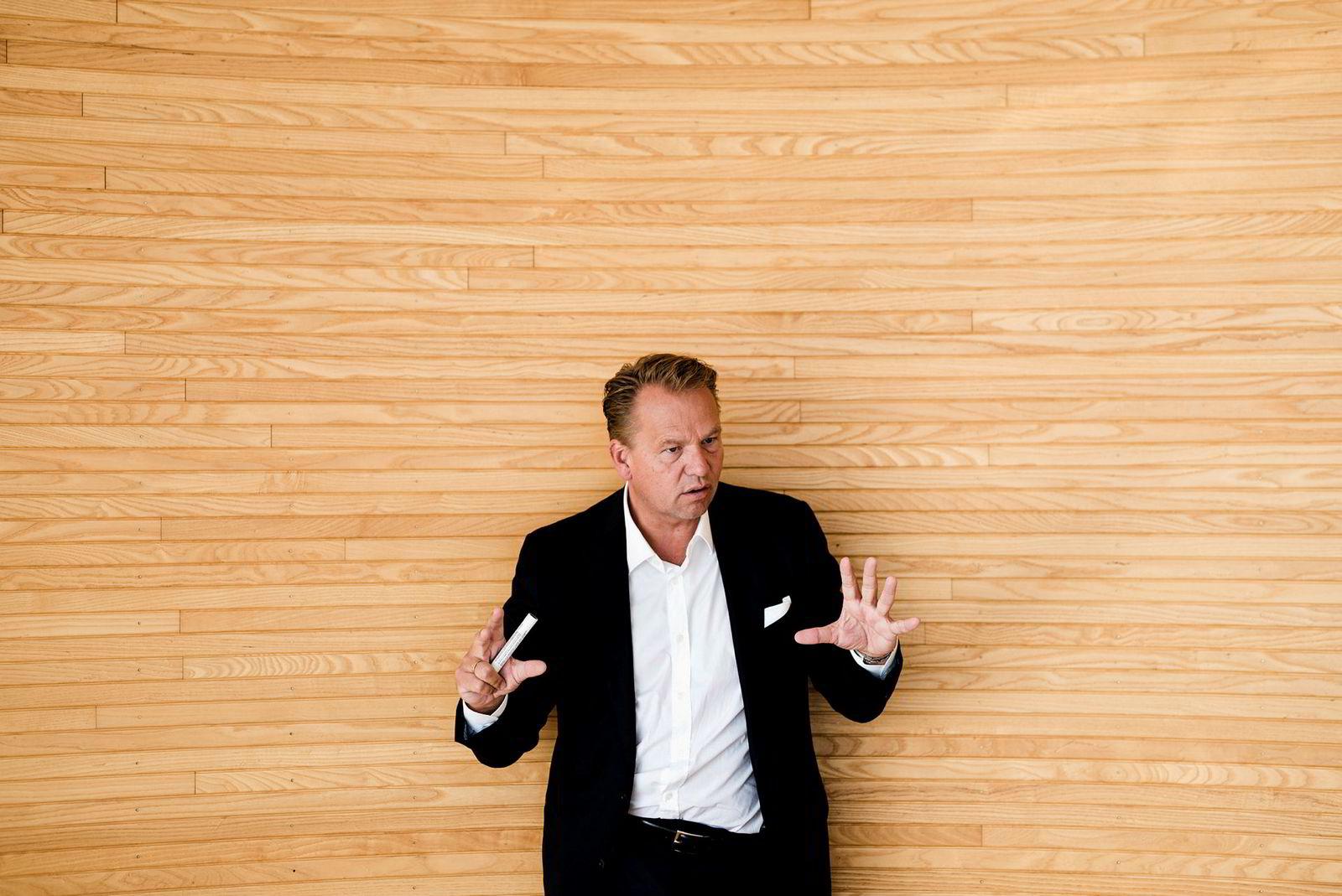 – Jeg har vært toastmaster, sier Hitecvision-sjef Ole Ertvaag om sin rolle i forbindelse med oppkjøpet av oljefeltene Exxon styrer på norsk sokkel.