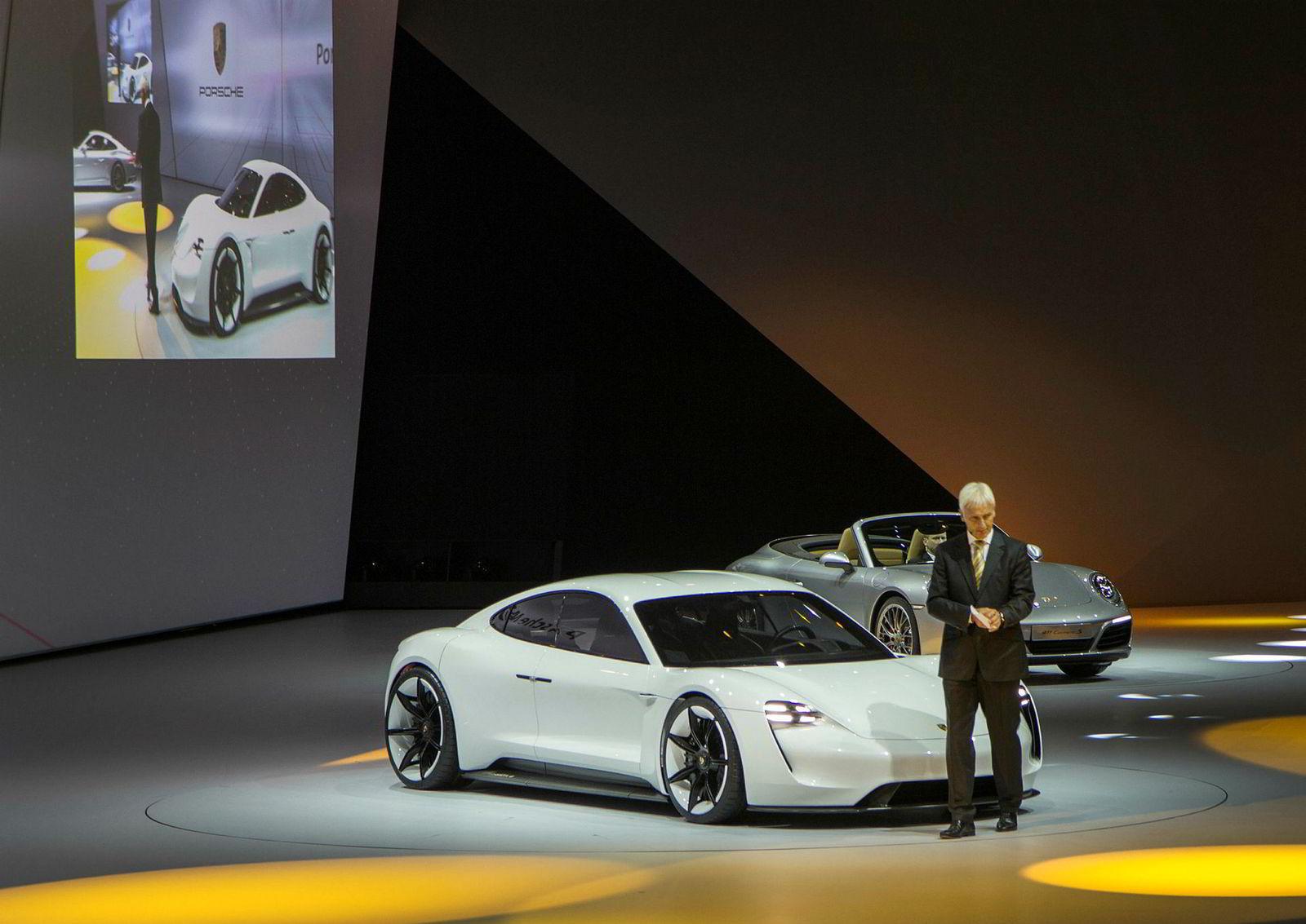 Den 14. september 2015 presenterte Mathias Müller Porsche Mission E i Frankfurt. 11 dager senere får han jobben som toppsjef for Volkswagen Gruppen etter at dieselskandalen blir kjent. Müller gikk av som sjef for VW tidligere i april.