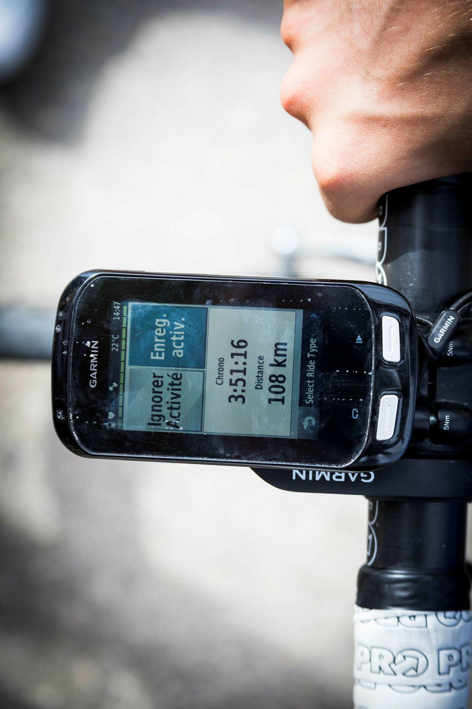 Sykkelcomputeren til Odd Christian Eiking forteller fakta om en ny dag på jobben for proffrytteren i det franske laget Francais des Jeux. Dagens logg viser 108 kilometer i løpet av tre timer og 51 minutter.