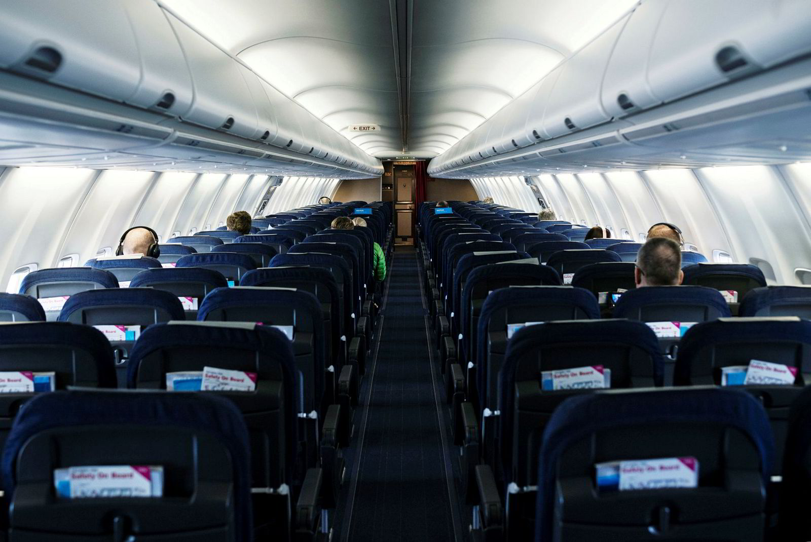 Det var 15 passasjerer med på SAS' morgenfly fra Oslo til Bergen mandag – som er en del av ruteprogrammet staten har bestilt og betaler for i krisen.
