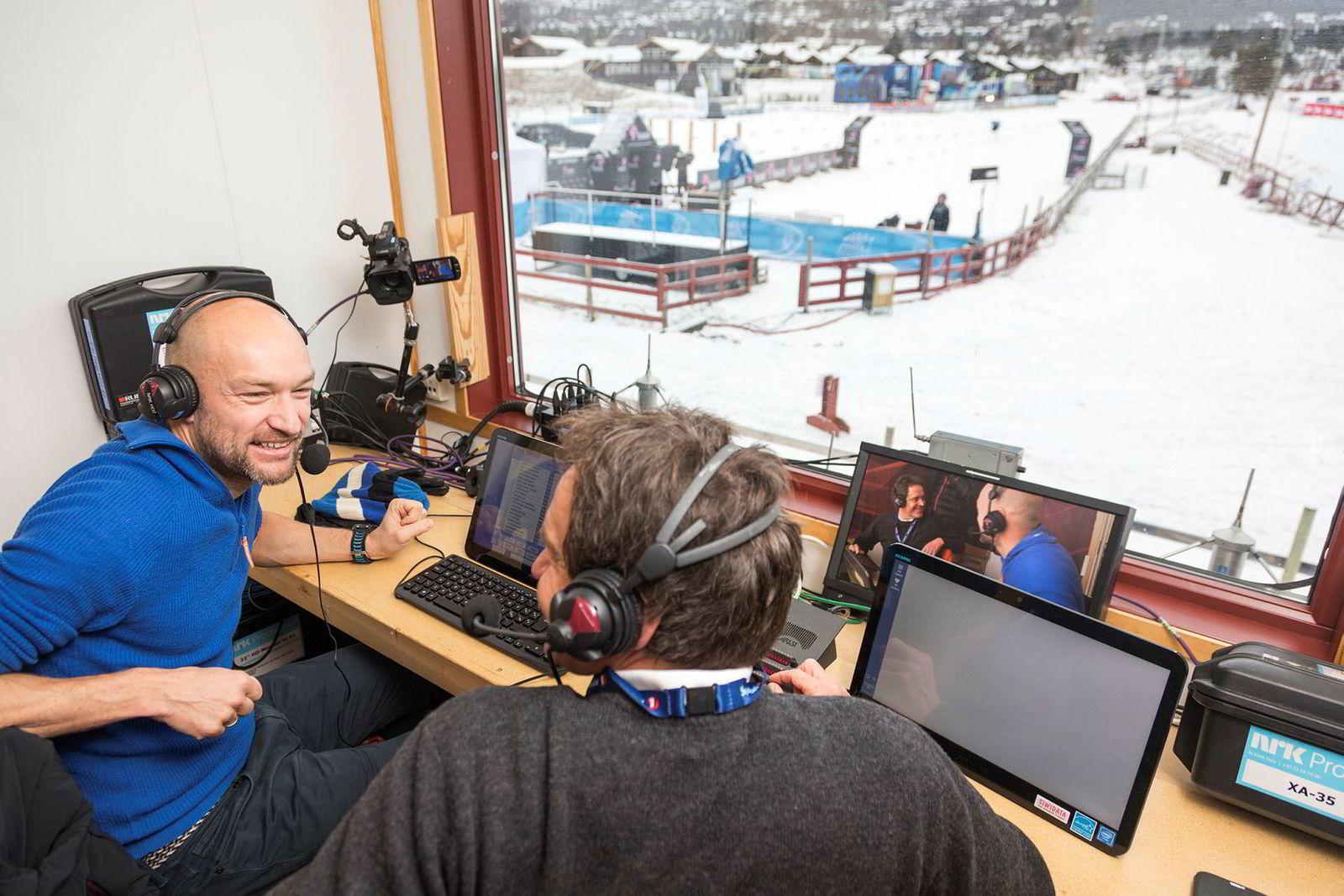 Lydprøven sitter for Jann Post og Torgeir Bjørn, som skal gjøre unna det første av mange renn denne vinteren i kommentatorbua. Treningsgrunnlaget er også der i orden fra tidligere år.