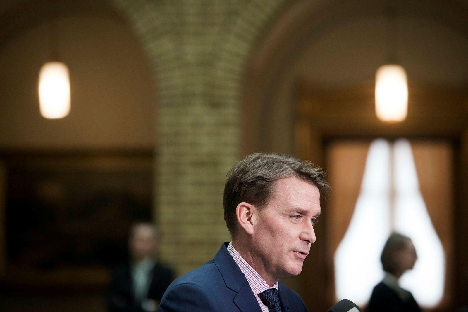 Mediepolitisk talsmann i Høyre, Kårstein Eidem Løvaas, synes MBLs innspill gjør muligheten noe større.