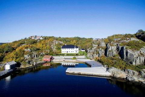 Høilis eiendom på Nesøya er blitt satt ned med mange millioner i håp om å bli solgt. Eiendommen ligger i dag ute til 50 millioner kroner.