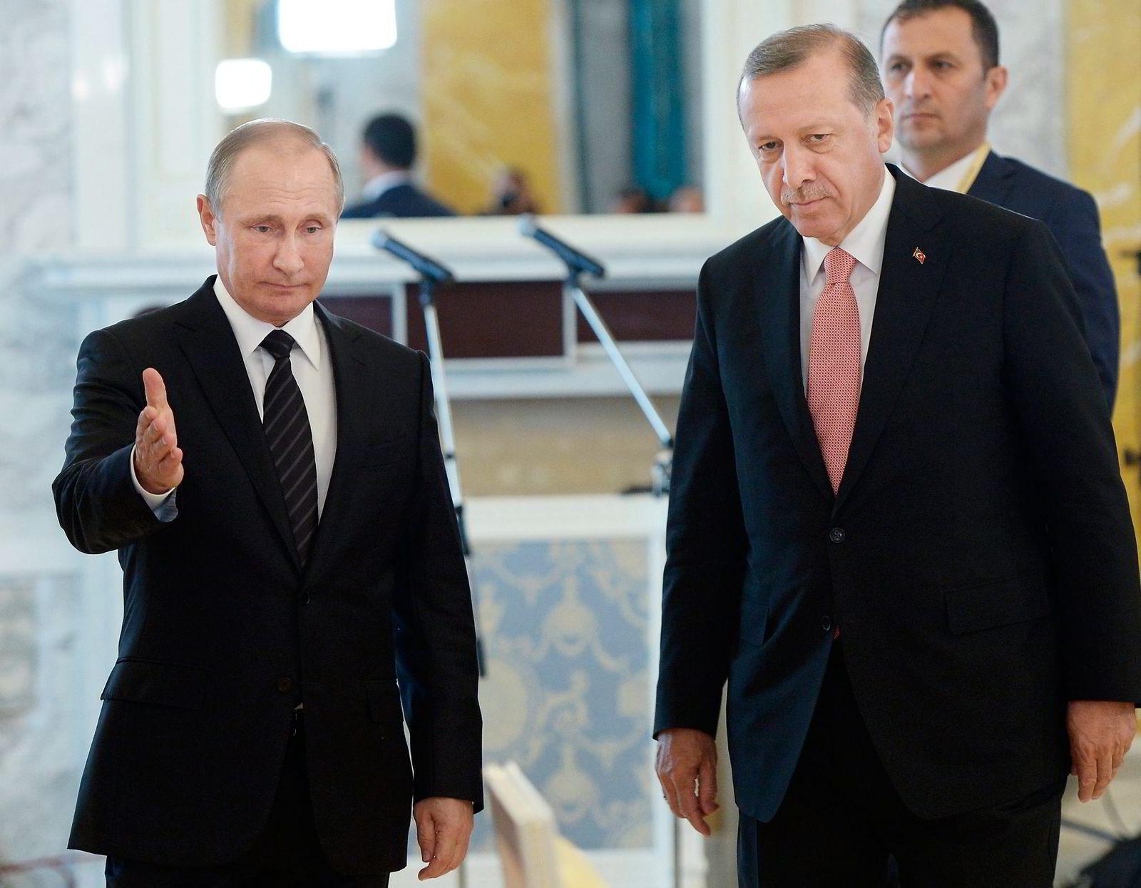 Statslederne i Tyrkia og Russland, Recep Tayyip Erdogan og Vladimir Putin, møttes tirsdag for første gang siden Tyrkia skjøt ned et russisk kampfly ved grensen mellom Tyrkia og Syria ifjor. Foto: Alexei Nikolsky/NTB Scnapix