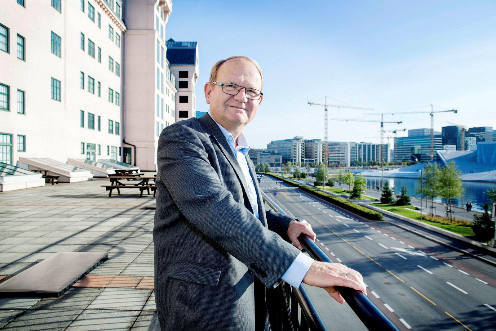 – Norske bedrifter låner lite penger nå i motsetning til konsumentene som låner mange ganger deres disponible inntekt, sier Per Einar Ruud kredittøkonom i Bisnode.