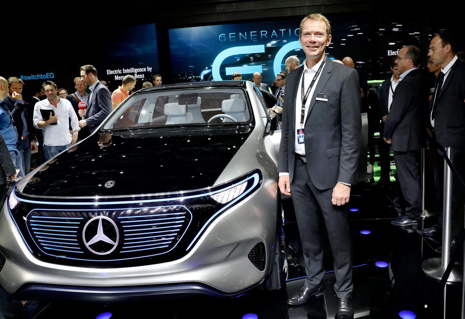 Kjetil Myhre, sjef for Mercedes Norge, tilbyr en helelektrisk B-modell i dag. Fremover satser Mercedes på et nytt undermerke, EQ, som har som mål å bli størst på elektriske biler.