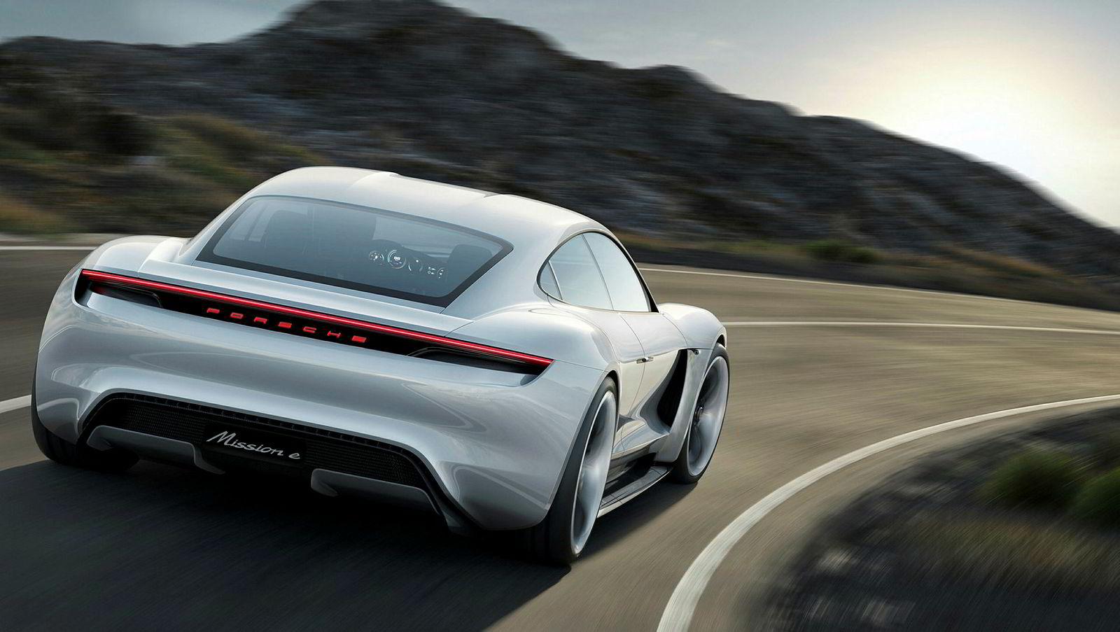 Porsche Mission E blir hetende Taycan og er merkets første elbil.