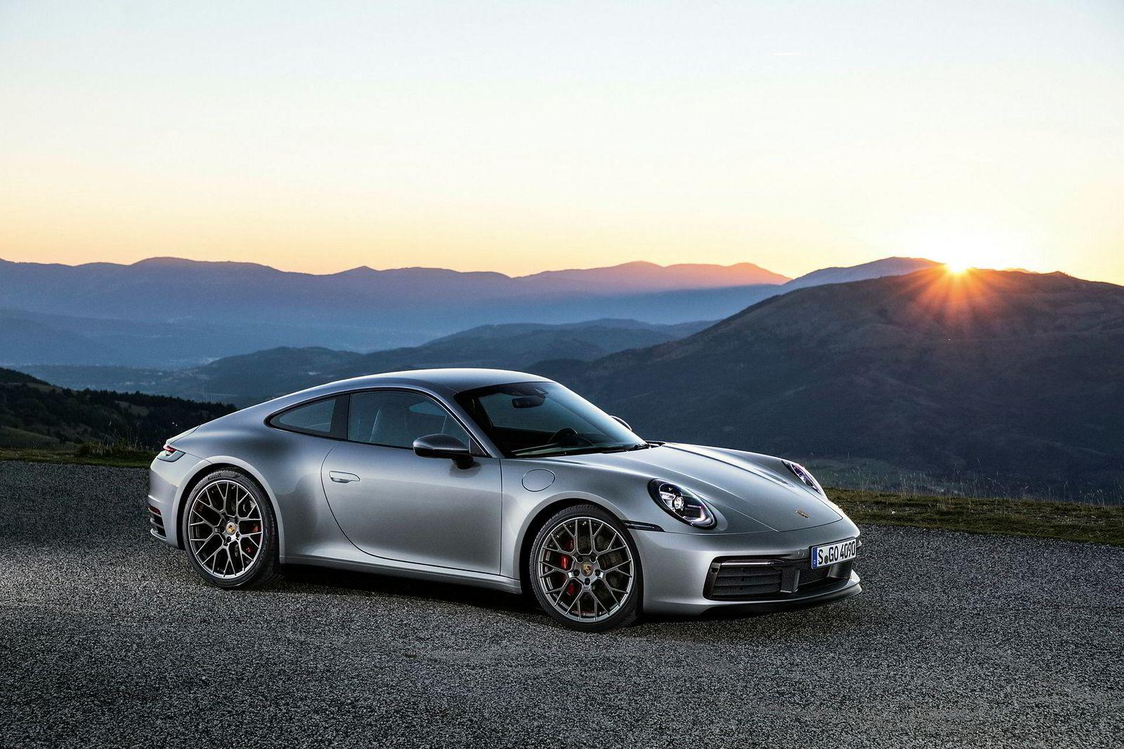 . Porsche 911.