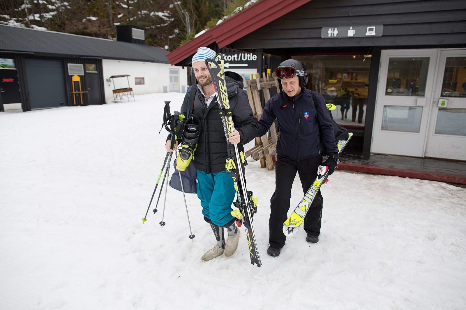 Erik Rosseland (til høyre) drev med håndball på høyt nivå og har alltid trent mye. Da han ble funksjonelt blind i 2007 bestemte han seg for å satse slalåm. Her med ledsager Lars Sunde Løseth. Lars Sunde Løseth er tidligere alpinist.