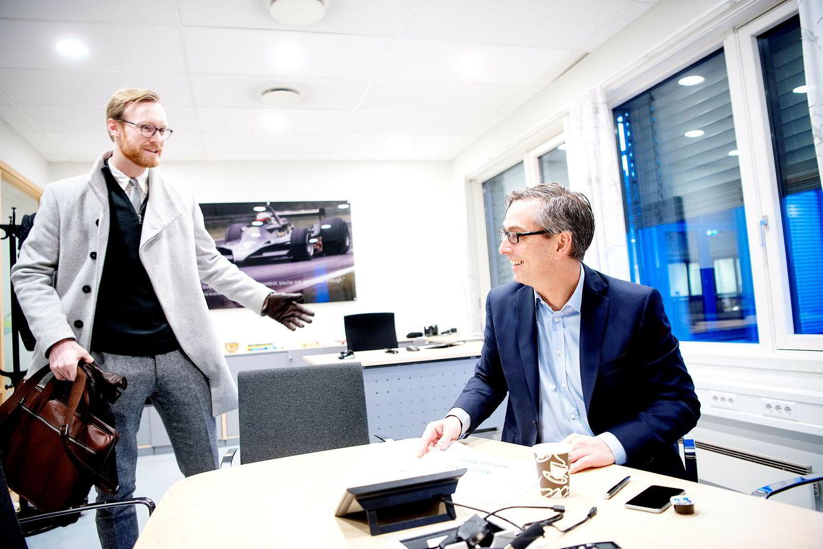 Magnus Svorstøl Lie (til venstre) i Microsoft var rådgiver for den 19 år eldre sjefen Michael Jacobs. Bildet ble tatt i januar 2017.