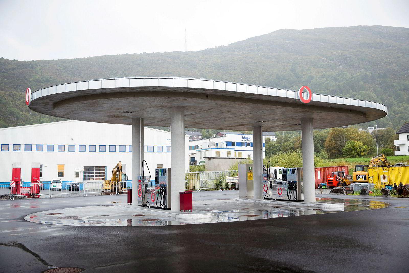 Her er en av Bunker Oils stasjoner utenfor Ålesund.