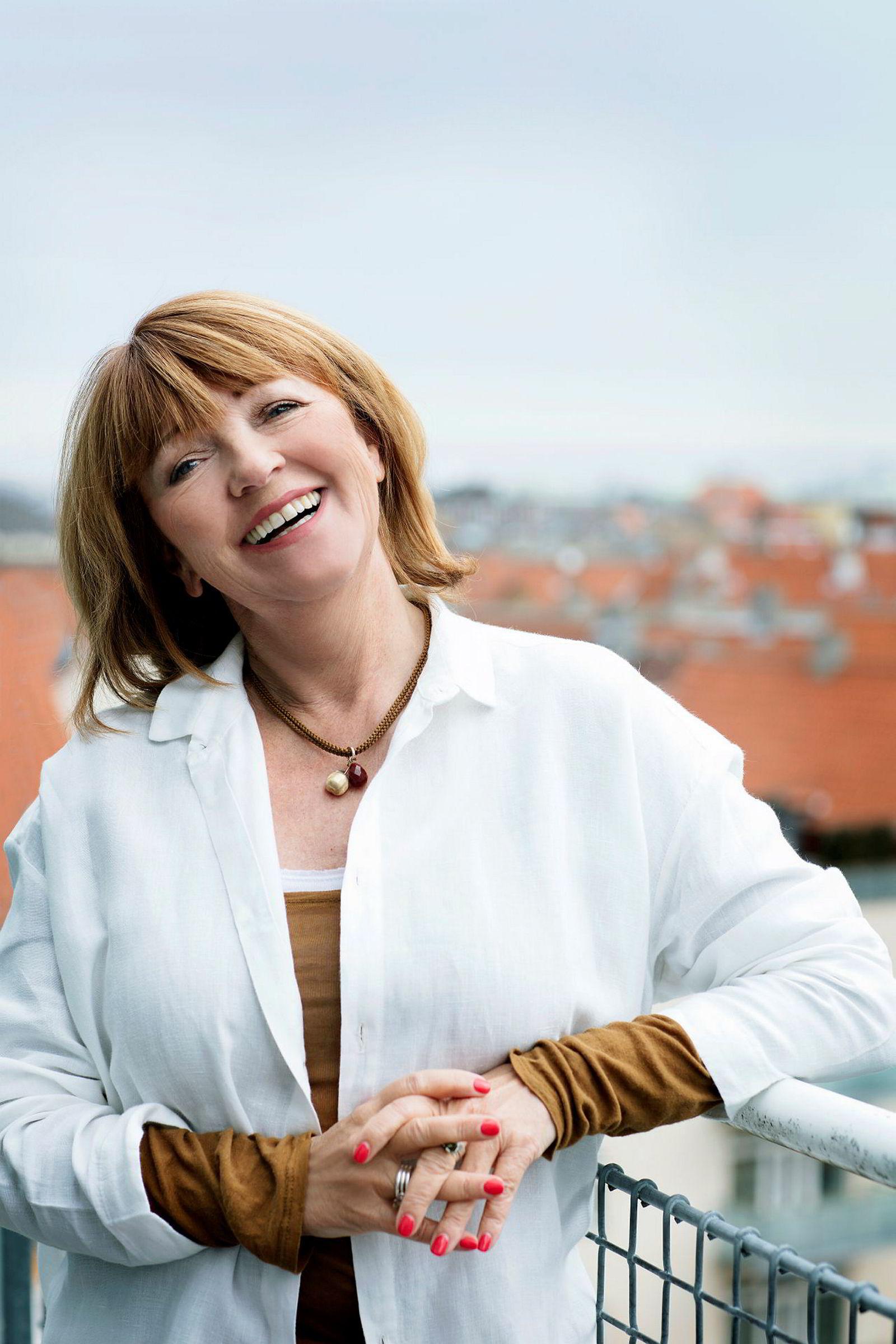– Folk er veldig interessert i år bruke farger, sier Lisbeth Larsen, global fargesjef i Jotun.