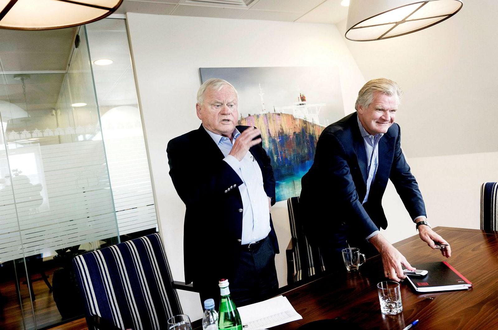 John Fredriksen ble intervjuet i forbindelse med sin 70-årsdag i 2014, med Tor Olav Trøim (til høyre) på kontoret i London. Siden gikk de hver sin vei, etter 19 års «skolegang» for Trøim.