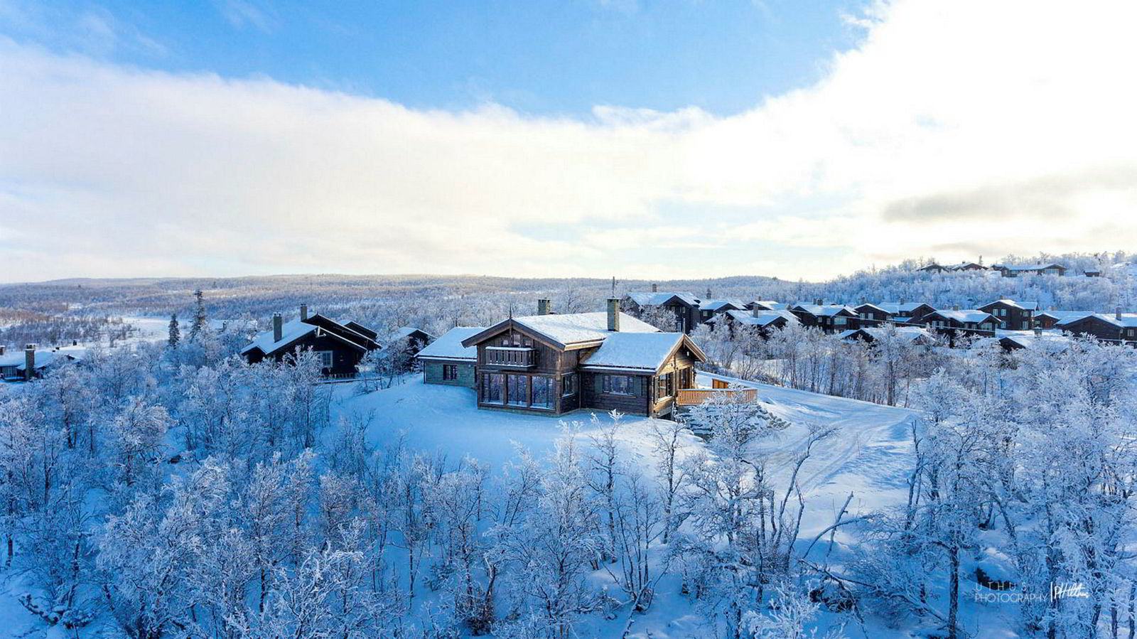Hytte i Lomtjødnlie 73 i Kikut, 243 kvm, Prisantydning Kr 12 000 000, solgt for kr 11 500 000.