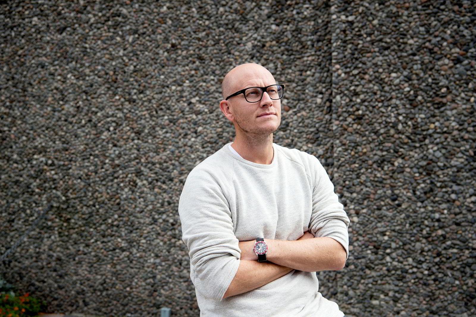 Ola Stenberg, digitalredaktør i VG, mener podkast er godt egnet til å engasjere publikum og har troen på at interessen fra annonsører tar seg opp når markedet modnes.