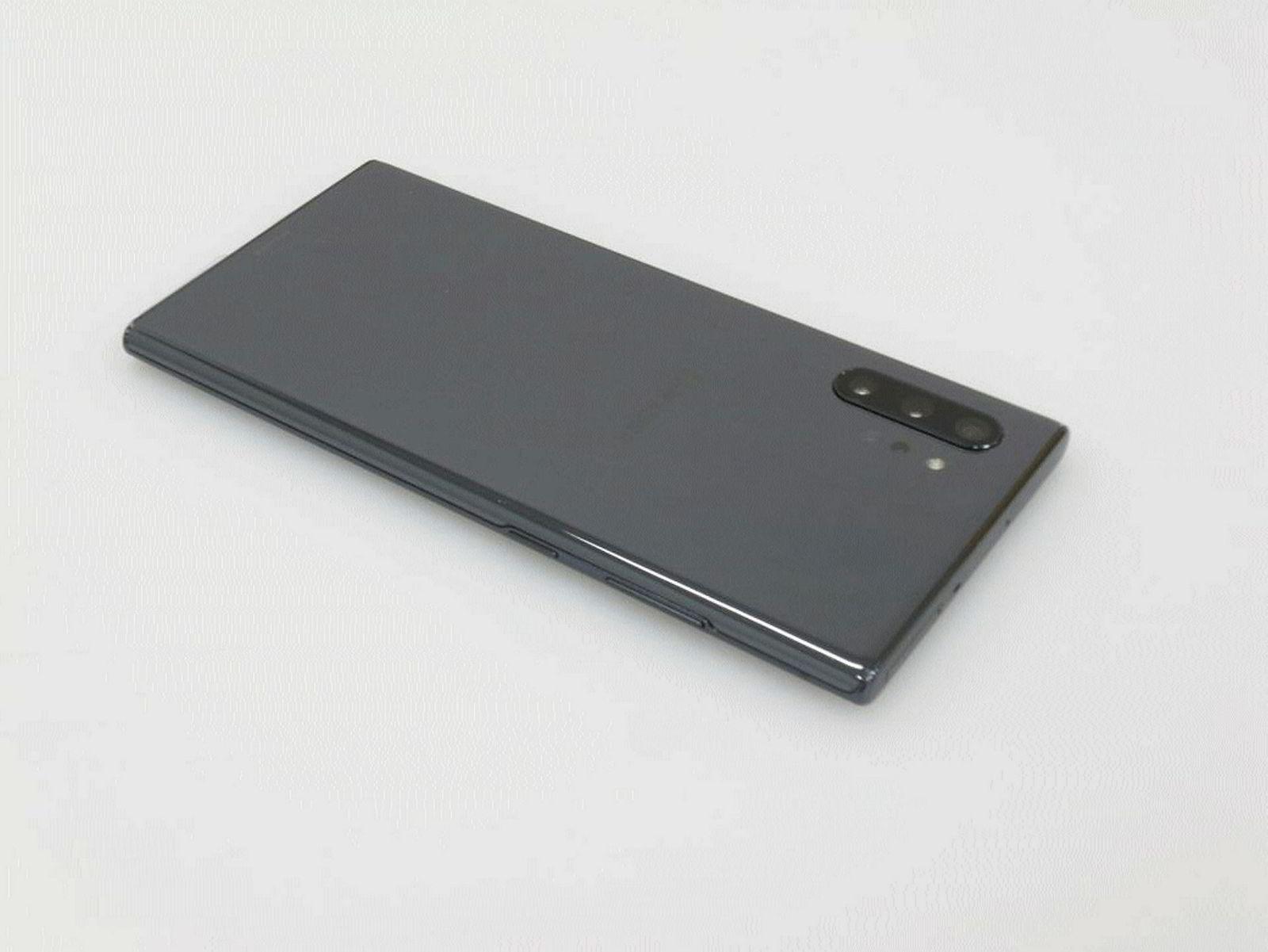Samsungs Galaxy Note 10 kommer med tre kameraer på baksiden, og en sensor som støtter kameraene for å skape optiske dybdeeffekter.