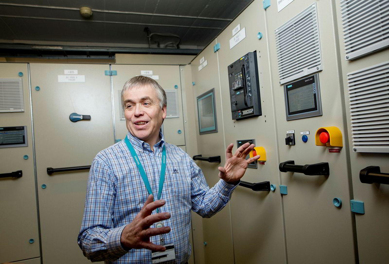 - Jeg har hele tiden fått lov til å utvikle meg og fylle på ryggsekken med nye ting jeg lærer, sier Lars Barstad, som har jobbet med teknologiutvikling i Siemens siden 1985.