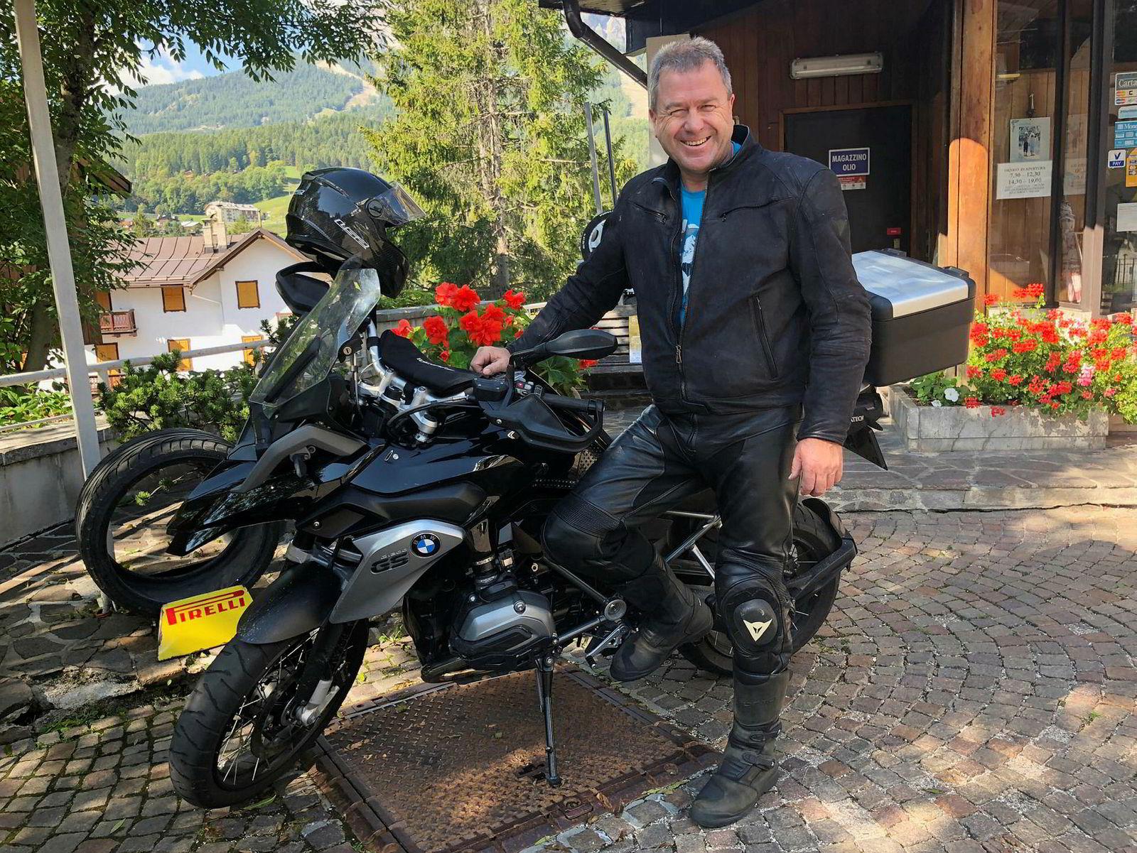 Daglig leder Lars Torp i Skye Consulting er på motorsykkeltur i Italia sammen med kolleger.