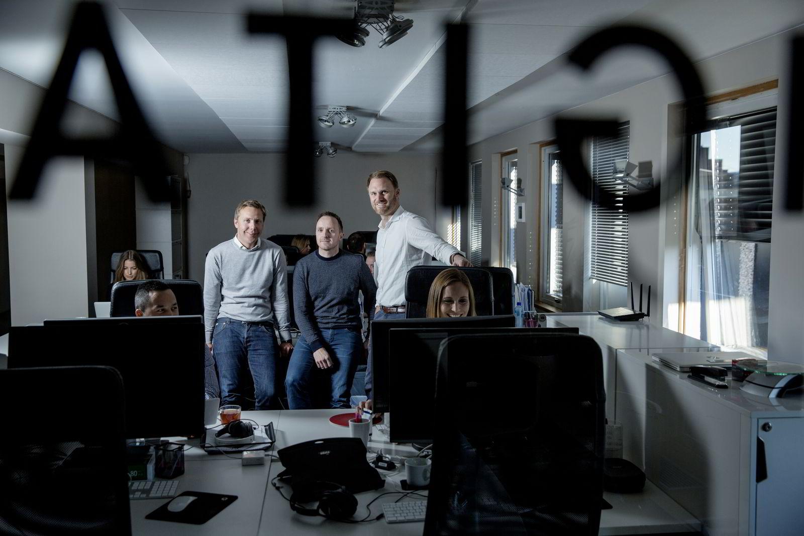 Kontorlokaler: Avbildet er administrerende direktør i Norselab, Kjetil Olsen (t.v.),  grunnleggerne Christian Lundvang (i midten) og Yngve Tvedt avbildet i Norselabs kontorer i Oslo.