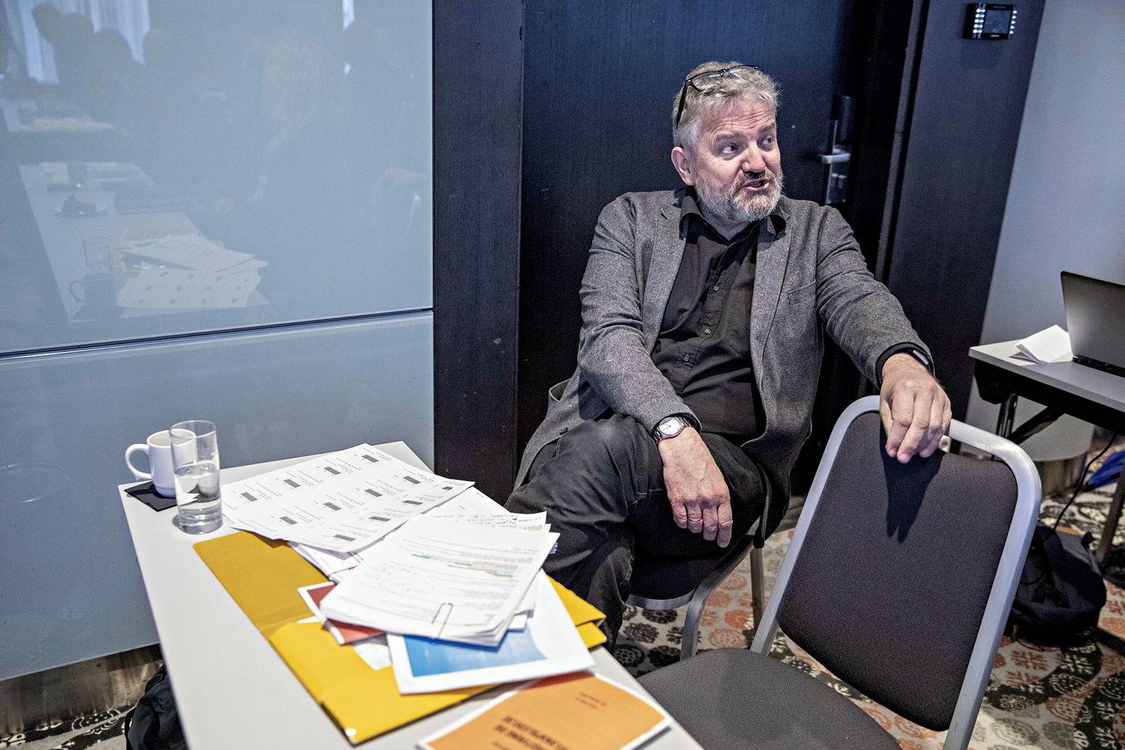 Valgkomiteens leder Torstein Lalim under generalforsamling i Mentor Media på Plaza i Oslo.